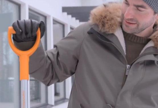 Skrobaczka do szyb ze szczotką SnowXpert™